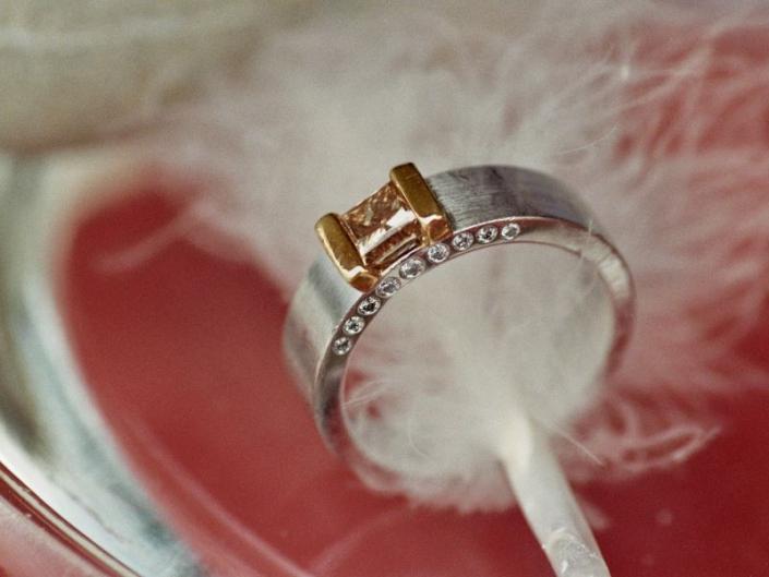 Ring Unikat BB Weissgold Gelbgold Brillanten Diamant zimtfarben 1,0ct princess cut