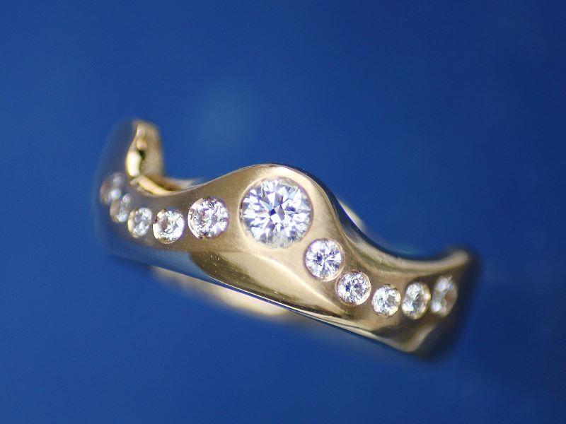 Ring WILDE TRAUMWELLE Unikat Gold Brillanten 1,07ct FW si
