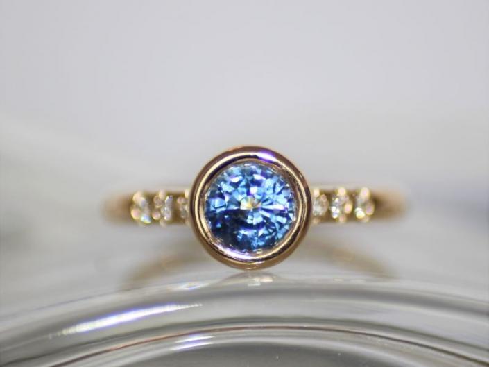 Ring BLUESTAR Unikat Gelbgold Safir blau Brillanten